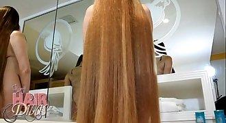 nude busty blonde longhair milf leona forward shampoo